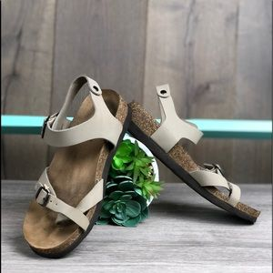 American Eagle Birkenstock Like Slides Sandals✨